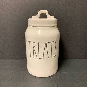 Rae Dunn brand new TREATS canister
